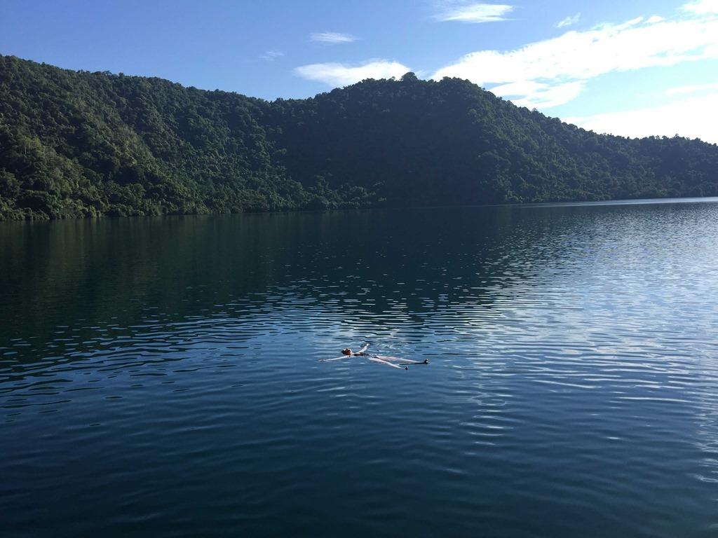 242 Insel mit See (D E)