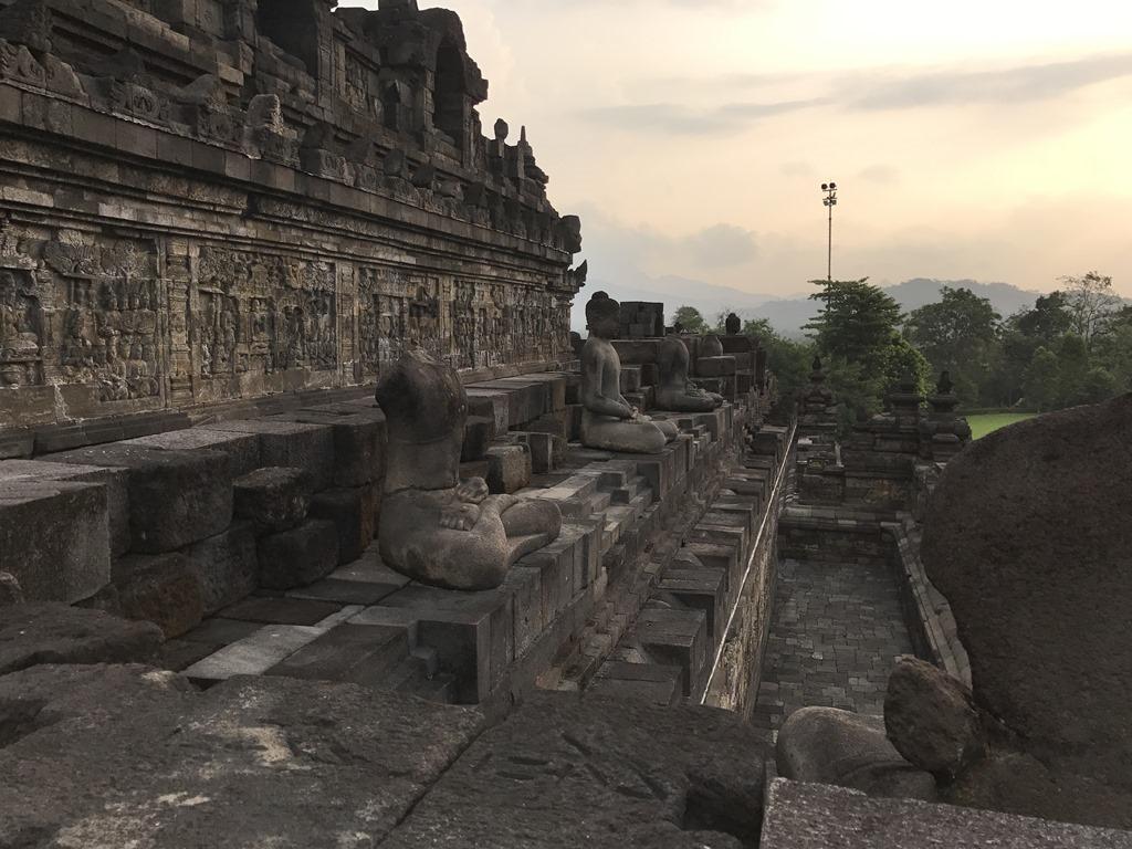 595 Borobudur Tempel (M)