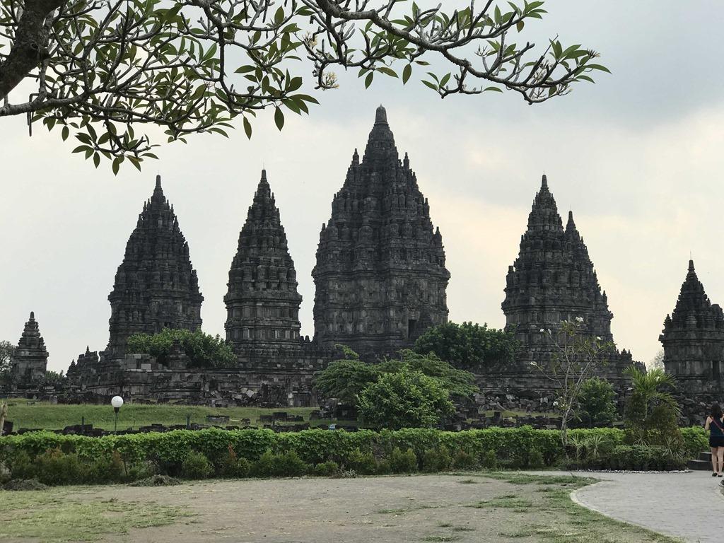 632 Prambanan Tempel (M)