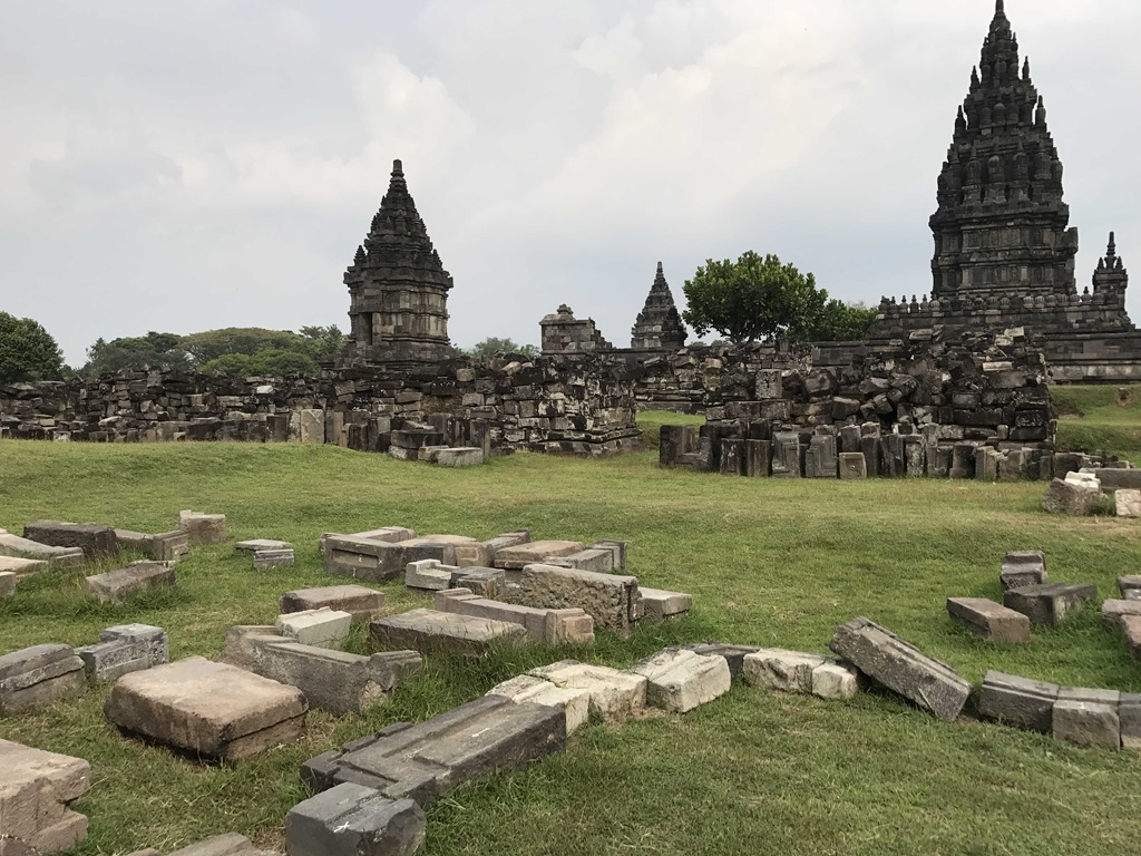 633 Prambanan Tempel (N)