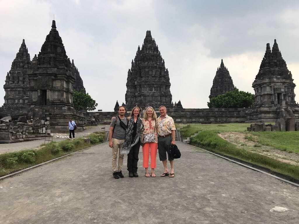 634 Prambanan Tempel (N)